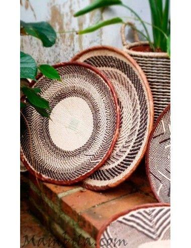 plato de fibra vegetal africano